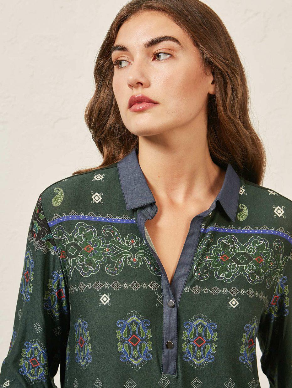 Camiseta Modelo Polo Estampado de Elena Miro
