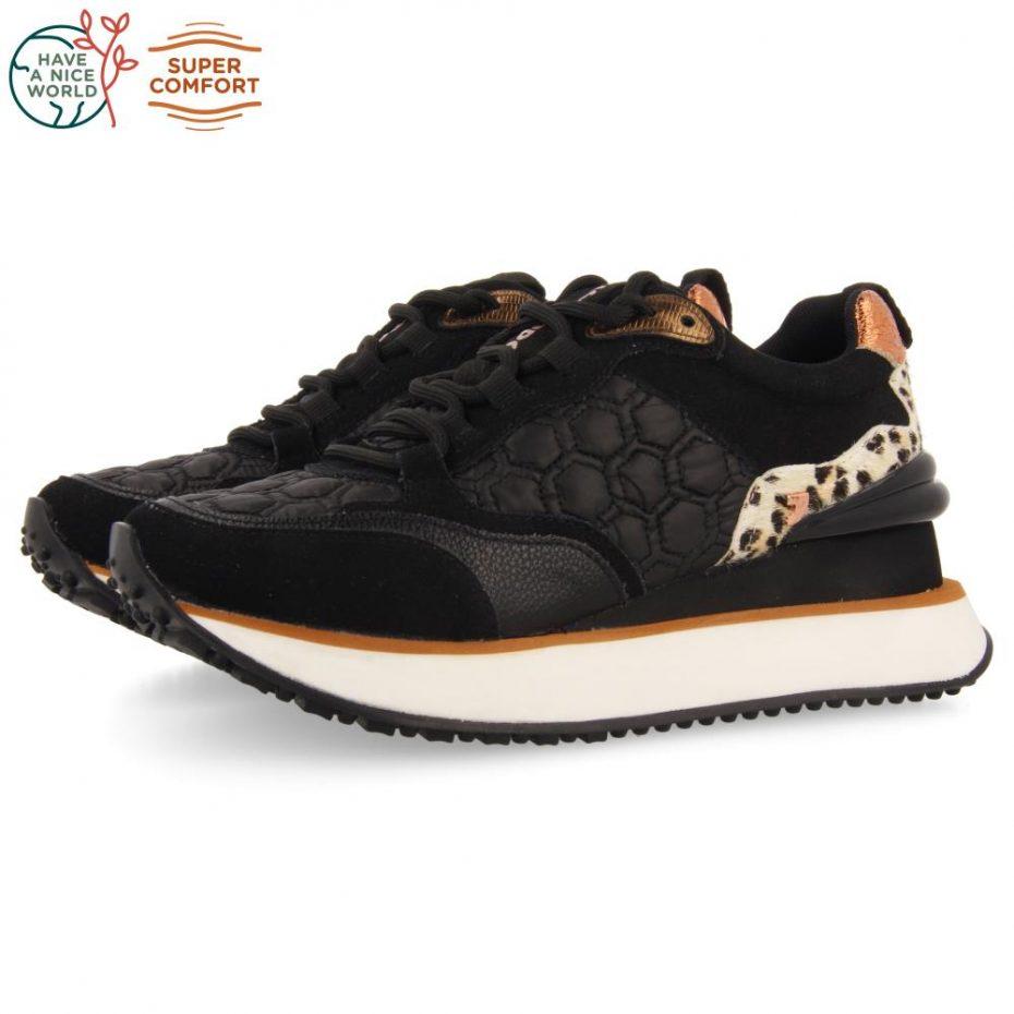 Sneaker Acolchada Negra Skien de Gioseppo